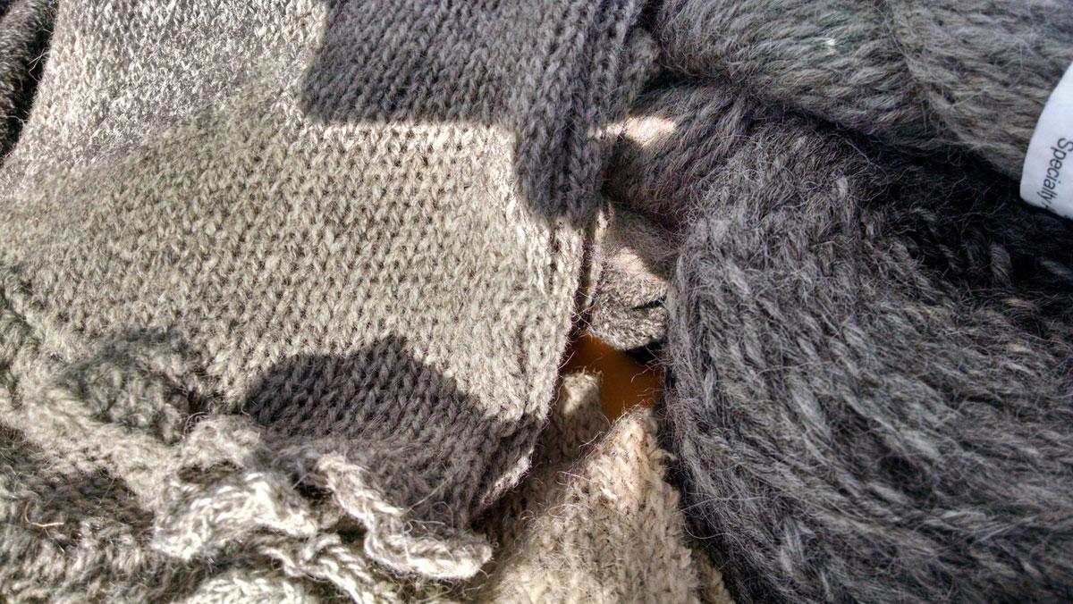alpacatrax-cormo-wool-knits-01